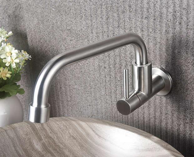 vòi rửa bát gắn tường